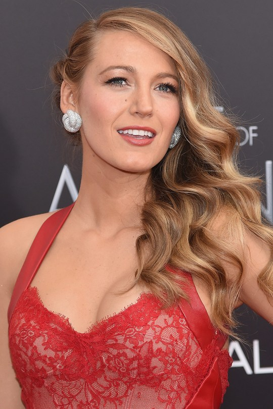 Blake-Lively4_glamour_20apr15_getty_b_540x810