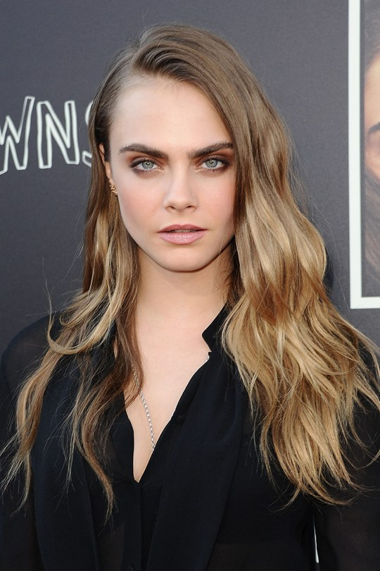 Cara-Delevingne-Beauty-2_Glamour_20July15_Getty_b_540x810