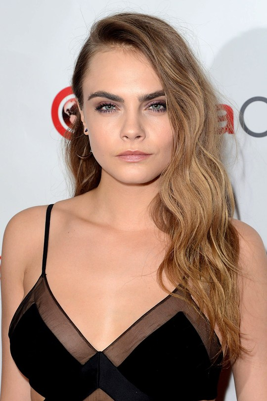 Cara-Delevingne2_glamour_24apr15_getty_b_540x810