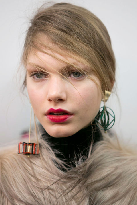 hbz-fw2015-trends-beauty-90s-red-lip-msgm-bks-i-rf15-1733_1