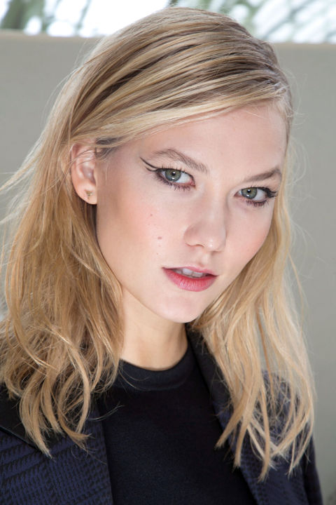 hbz-fw2015-trends-beauty-graphic-lines-mugler-bks-a-rf15-1947