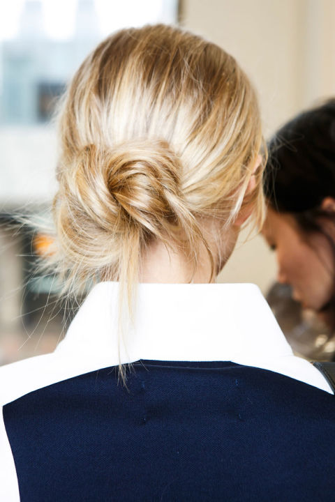 hbz-fw2016-hair-trends-knot-now-tory-burch-bks-i-rf16-9324_1