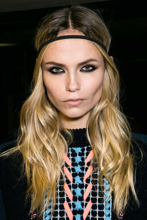 hbz-fw2016-hair-trends-waves-versace-bks-a-rf16-8958_1