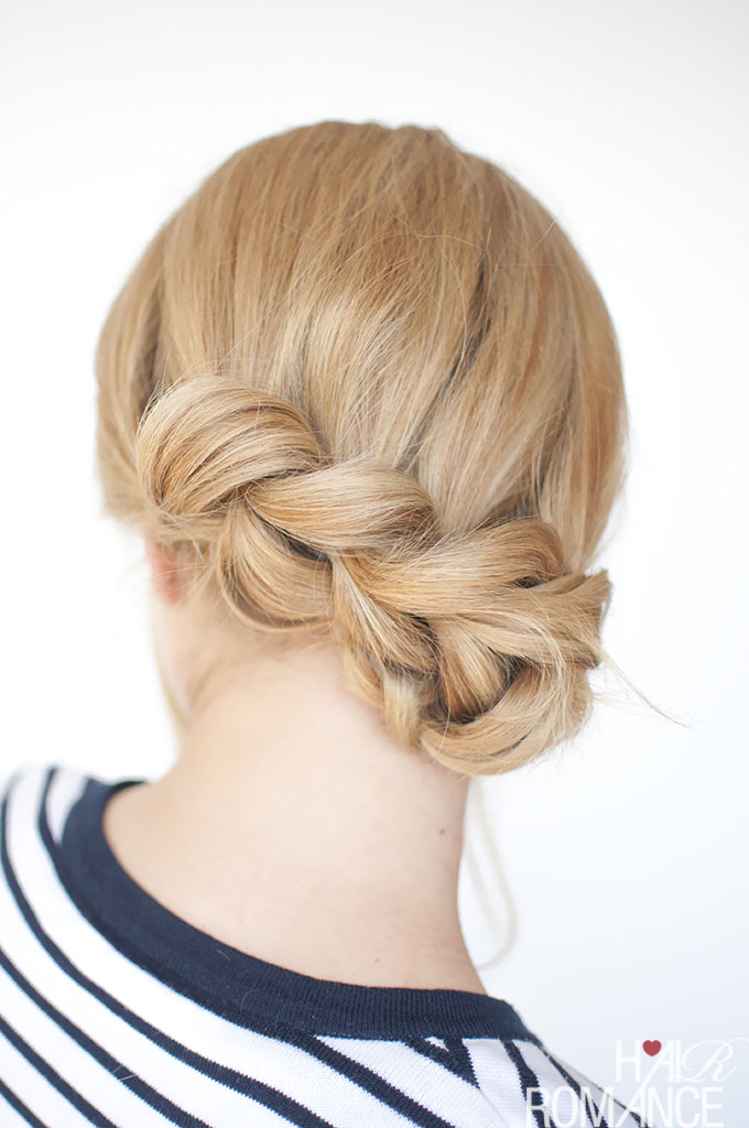 Hair-Romance-Pull-through-braid-tutorial-4a